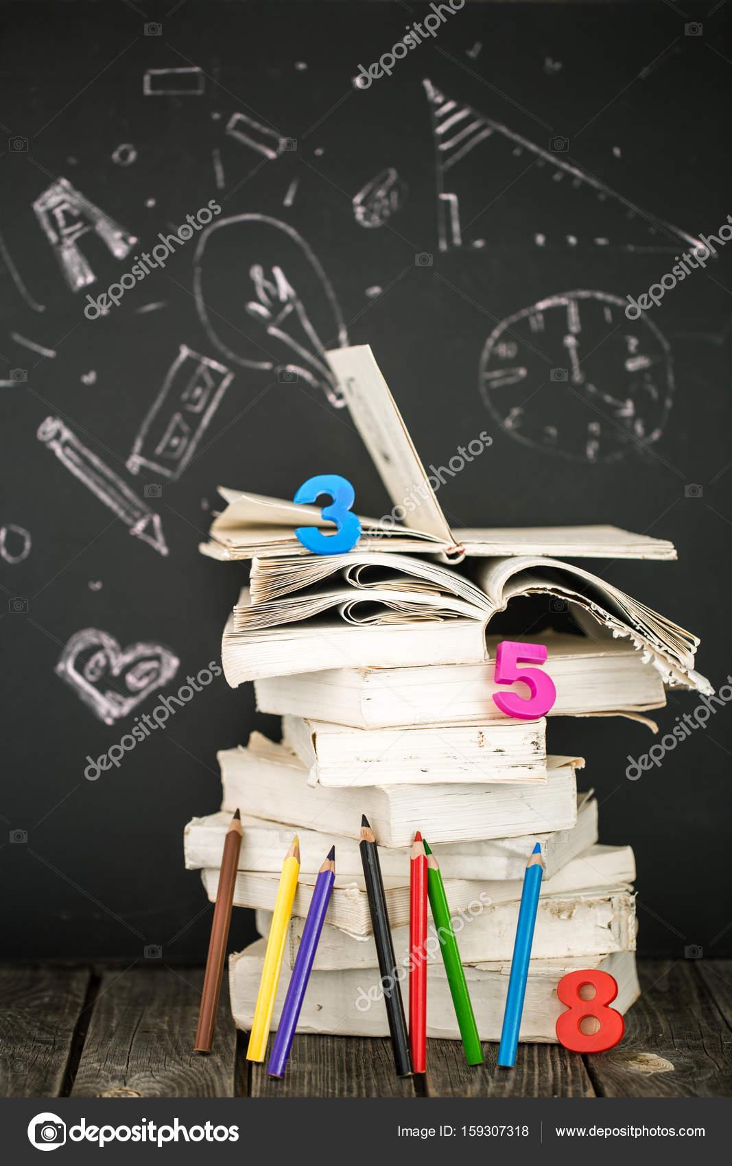zurück zu Schule-Zubehör — Stockfoto © puhimec #159307318