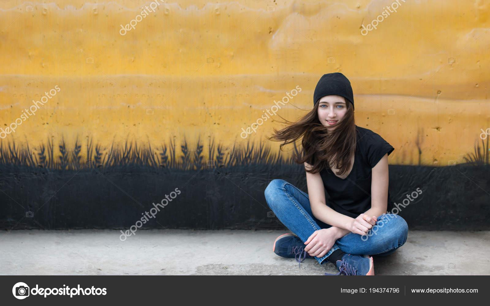 νεαρή όμορφη εφηβική ηλικία