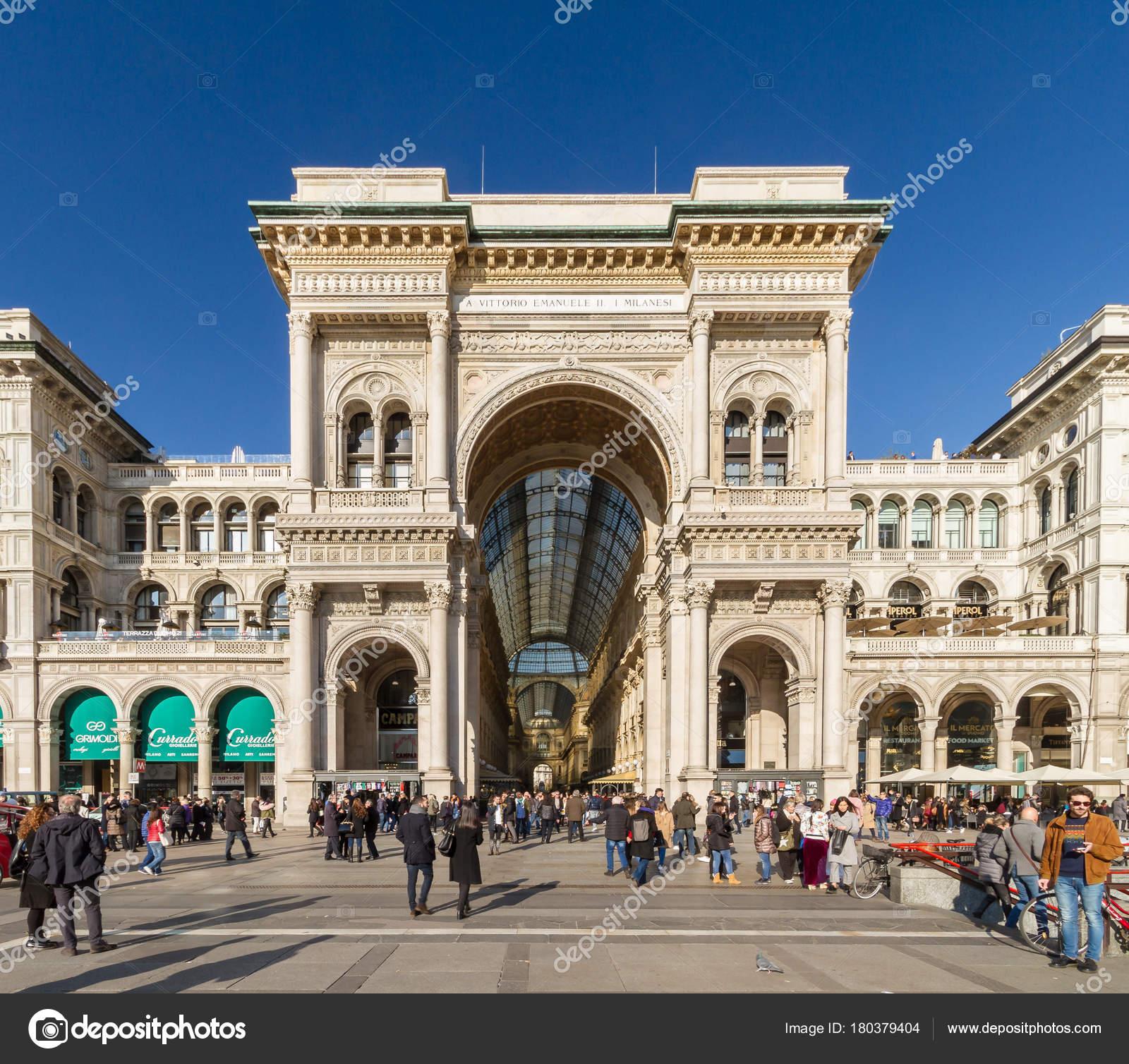Milan November 2017 Entrance Duomo Square Gallery Vittorio