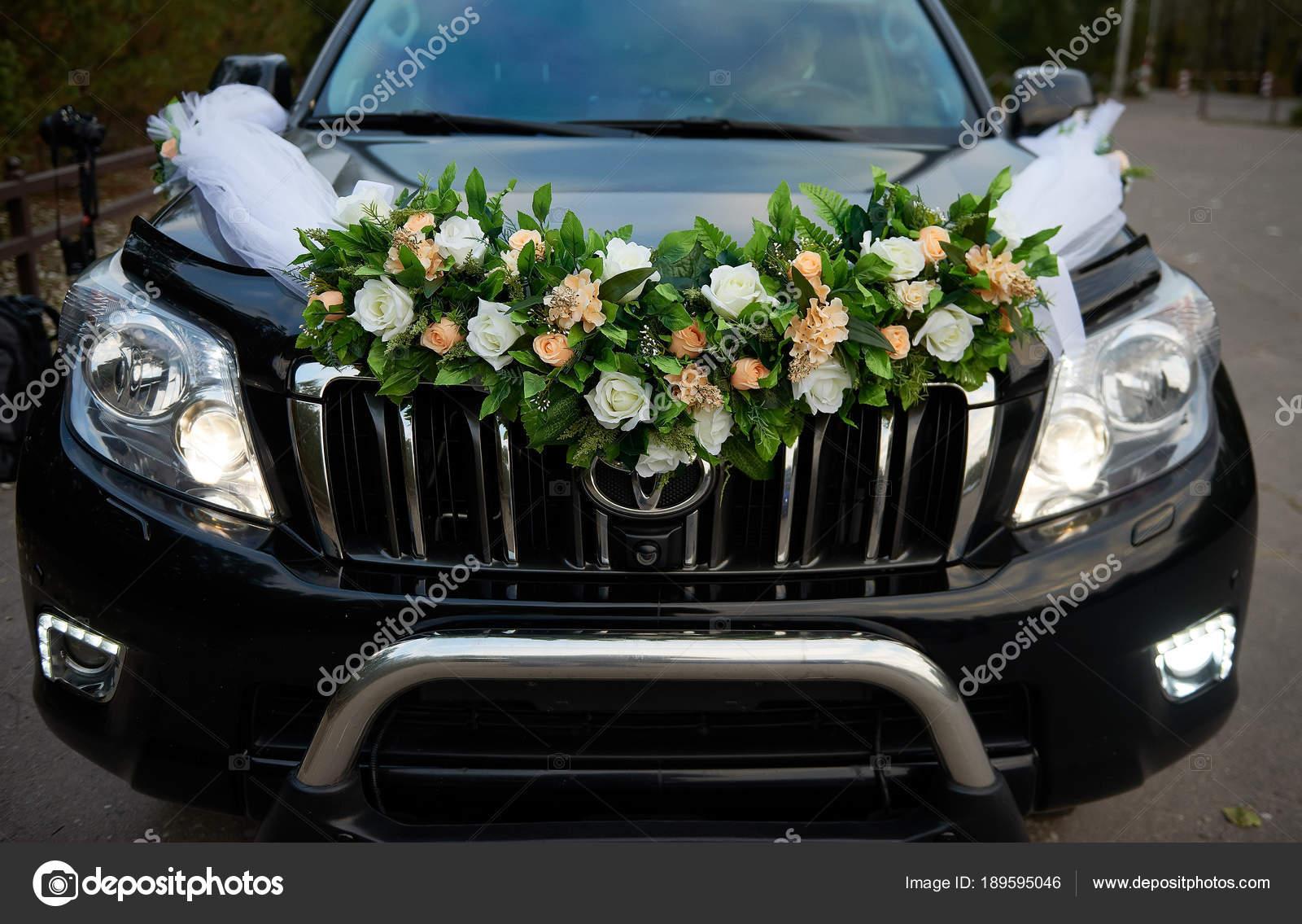 Hochzeitsdekoration Auto | Hochzeitsdekoration Hochzeit Auto Redaktionelles Stockfoto