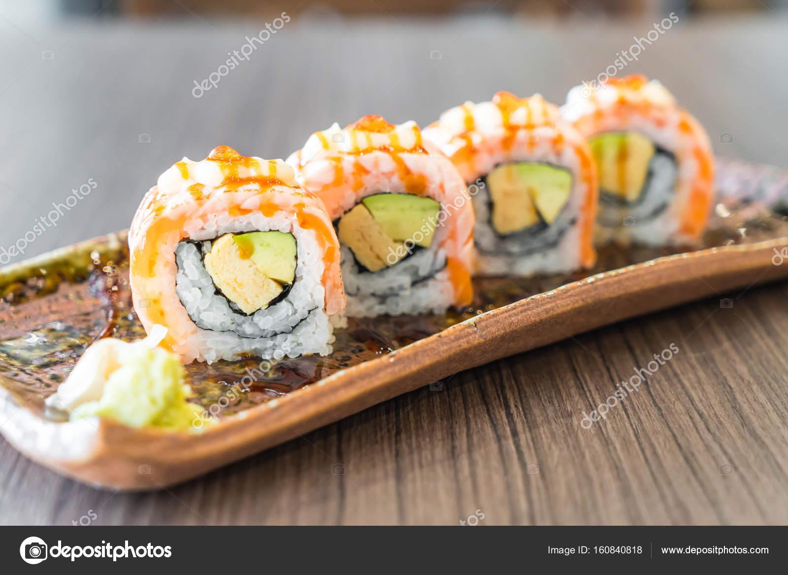 Salmon Panggang Sushi Roll Stok Foto C Topntp 160840818