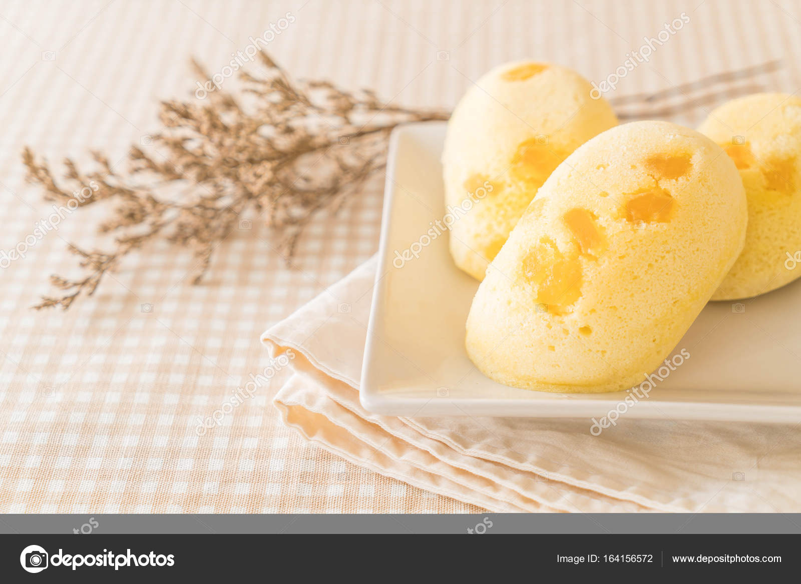 Mango Weich Kuchen Auf Holz U2014 Stockfoto
