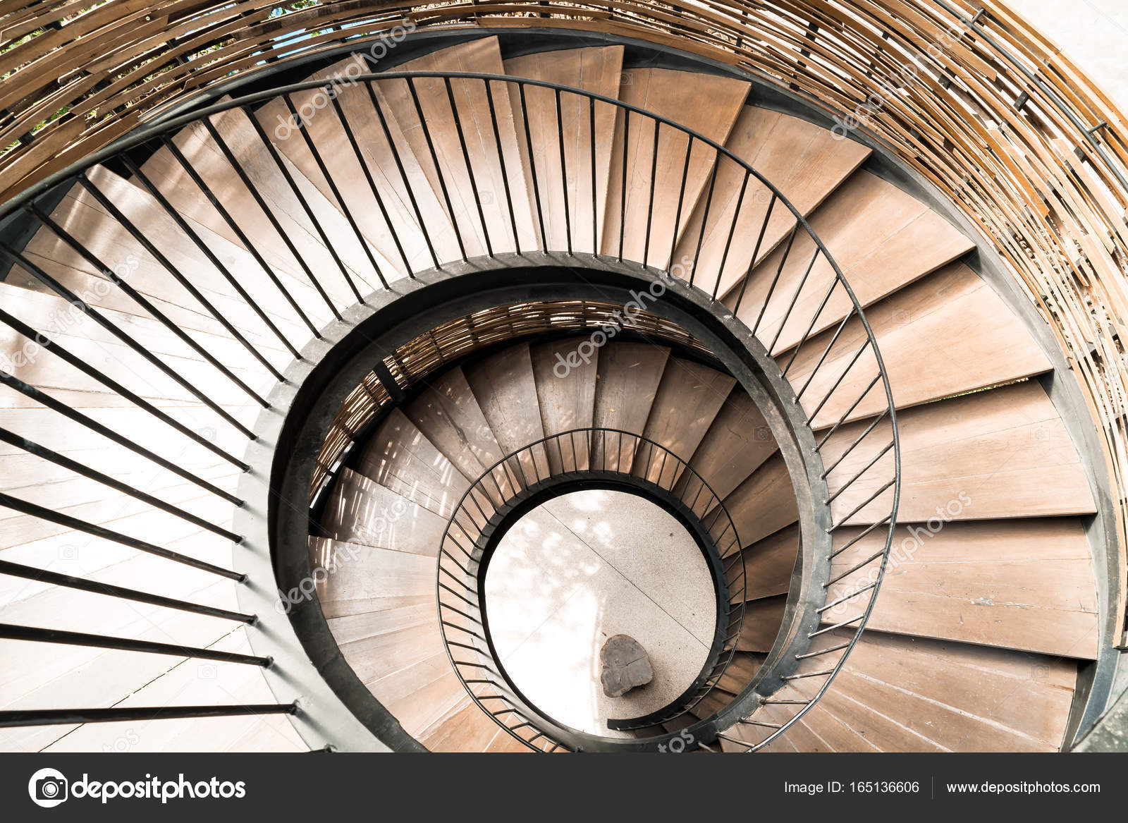 Spiraal cirkel trap decoratie interieur u2014 stockfoto © topntp #165136606