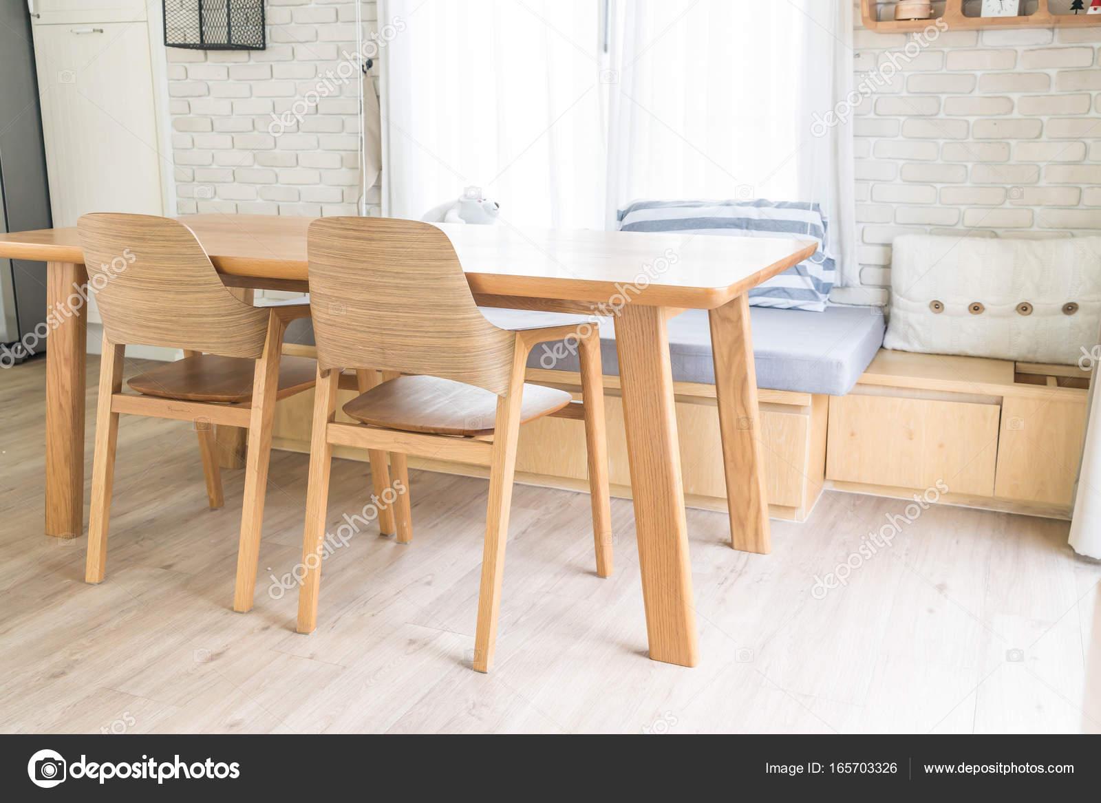 decoración de mesa comedor — Fotos de Stock © topntp #165703326