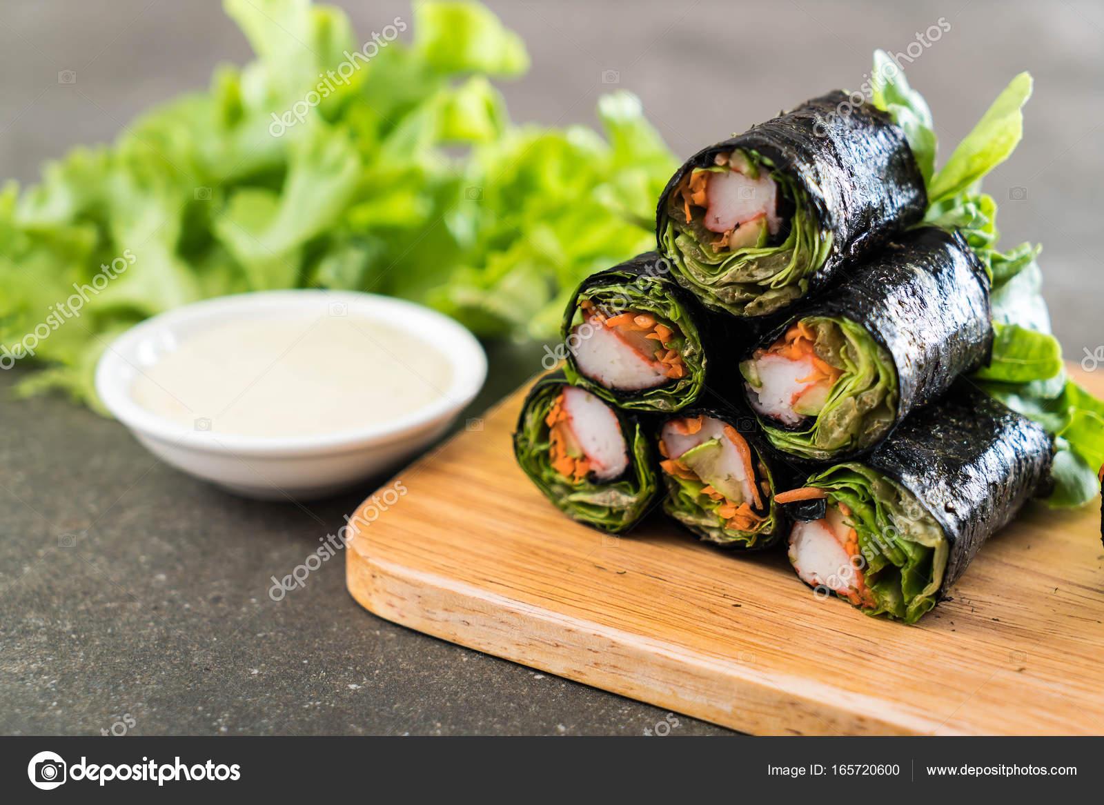 Салат завернутый в крабовых палочках