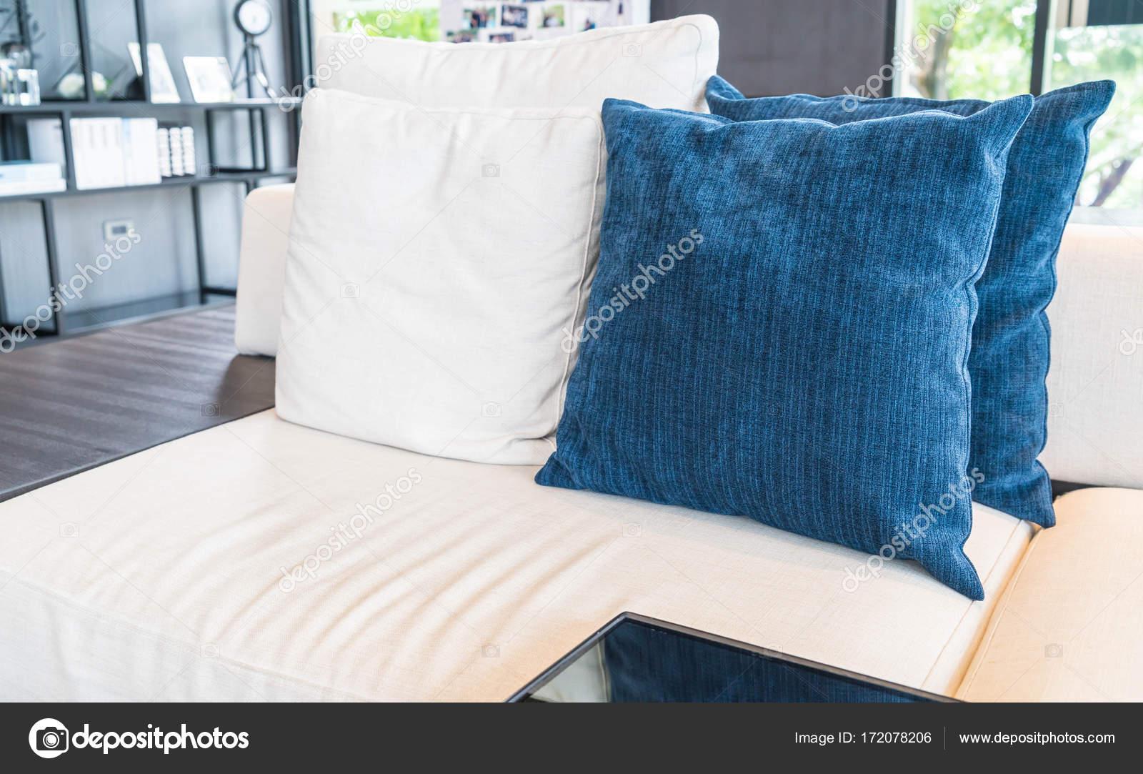 coussin décoration canapé — photographie topntp © #172078206
