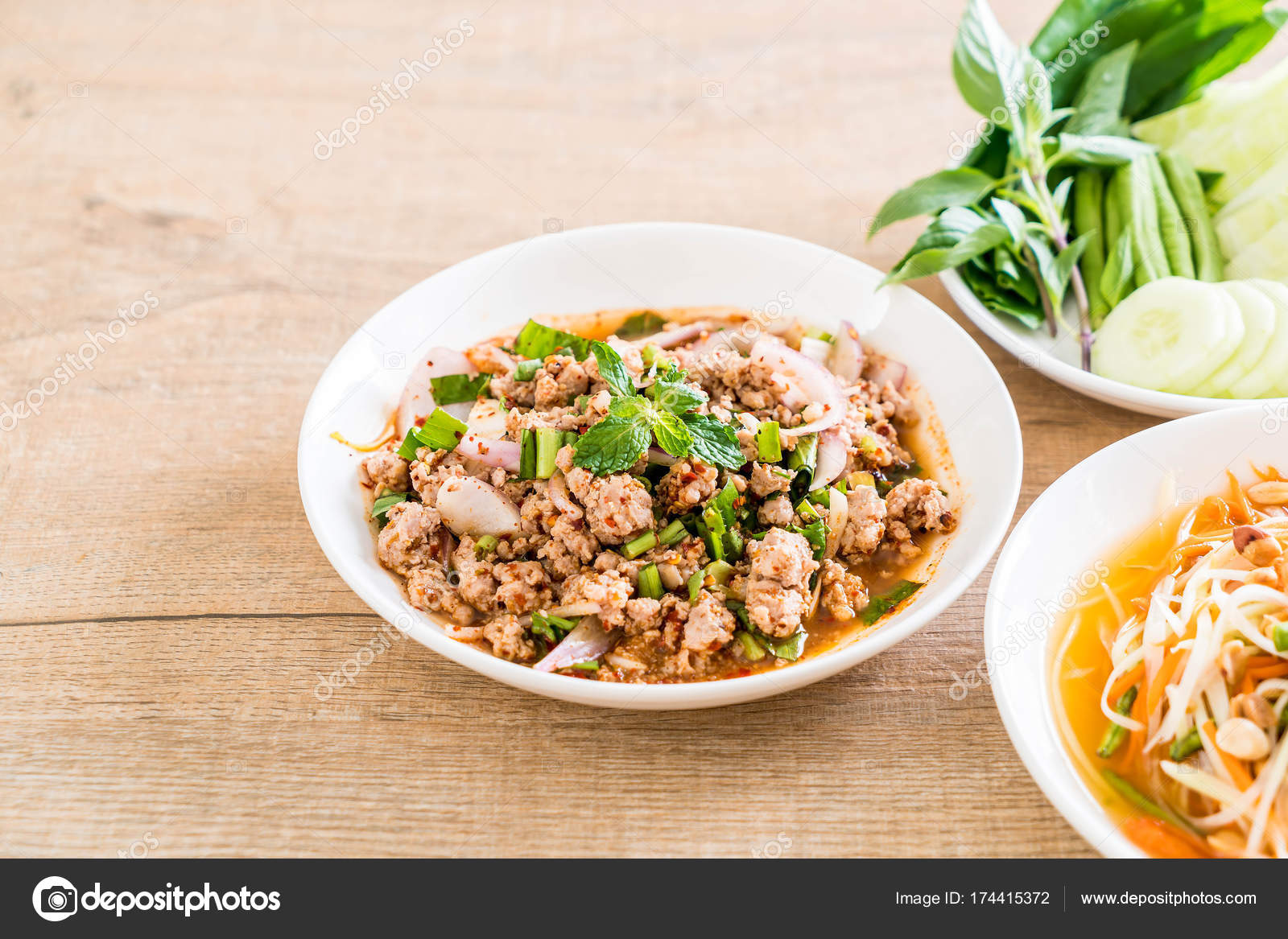 Spicy mince pork larb traditional thai food stock for Stock cuisine saint priest