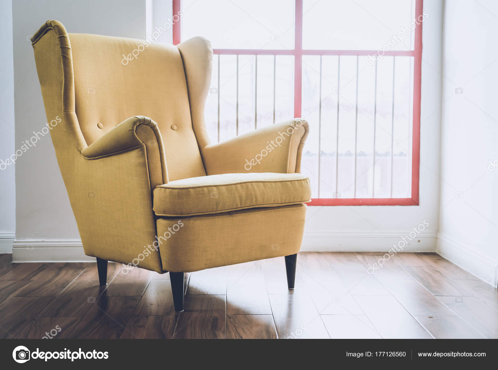 Old Armchair Decoration In Home U2014 Stock Photo