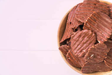 potato chips with chocolate