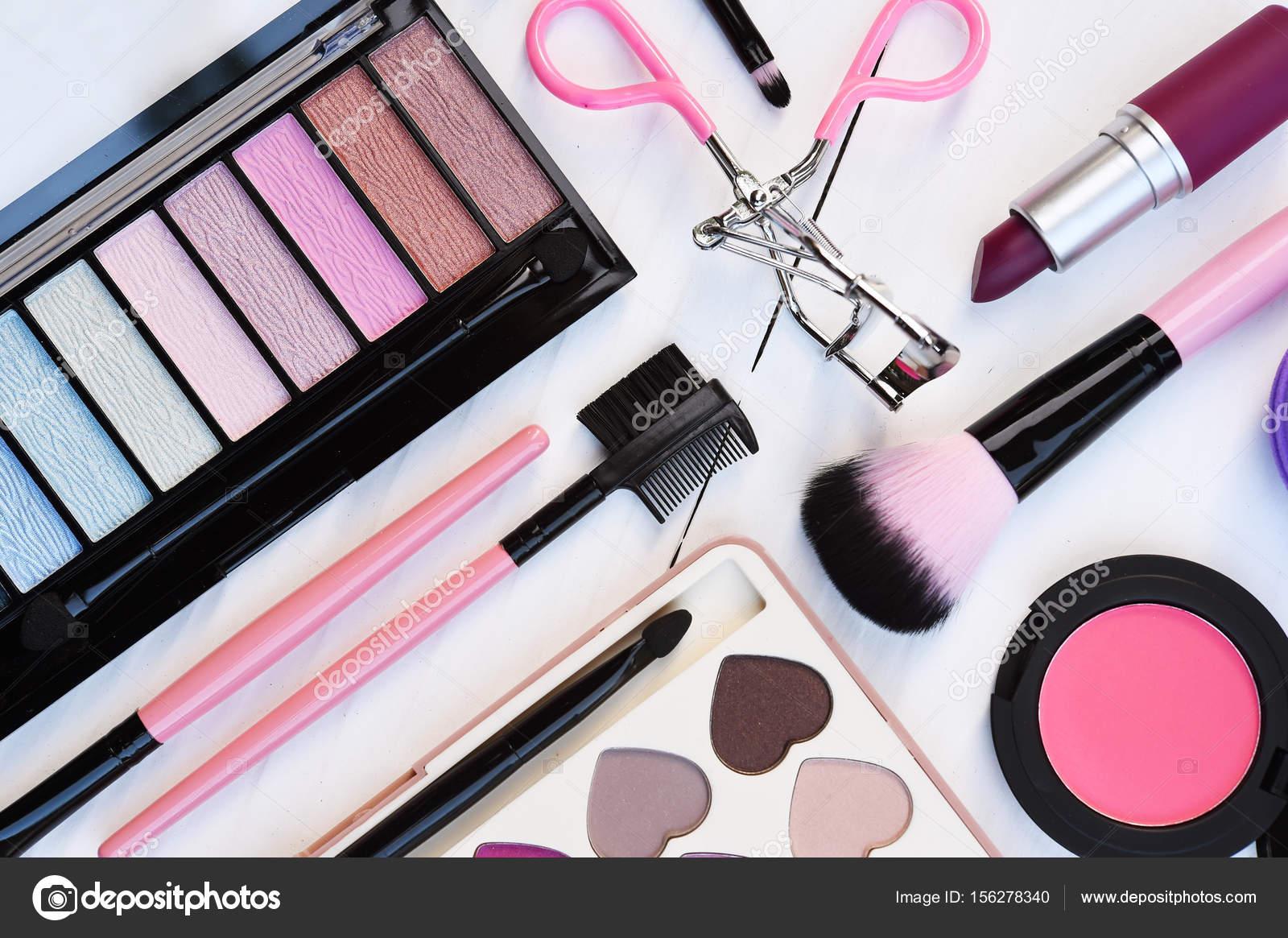 Imagenes De Maquillaje Para Descargar: Maquillaje Y Productos De Belleza Cosméticos Arreglado