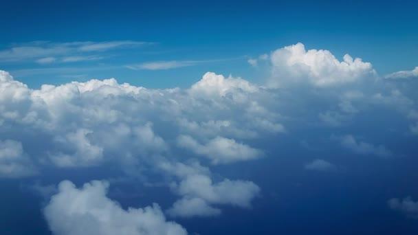 letí mraky