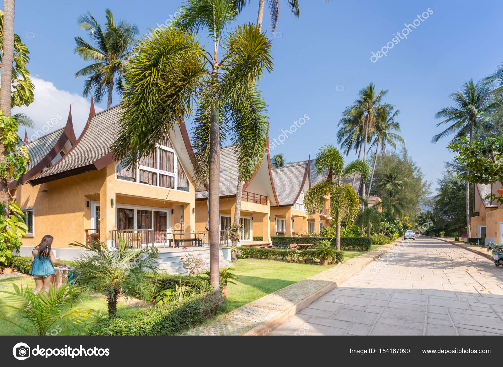 Tradicional tailandés Casa arquitectura moderna cerca de la playa en ...