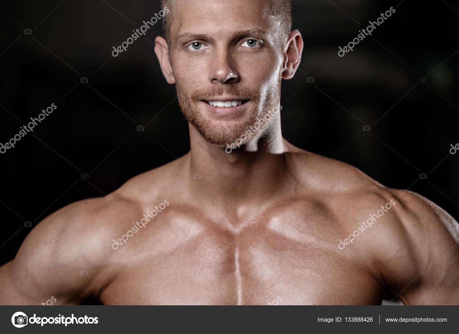 naked-men-workout