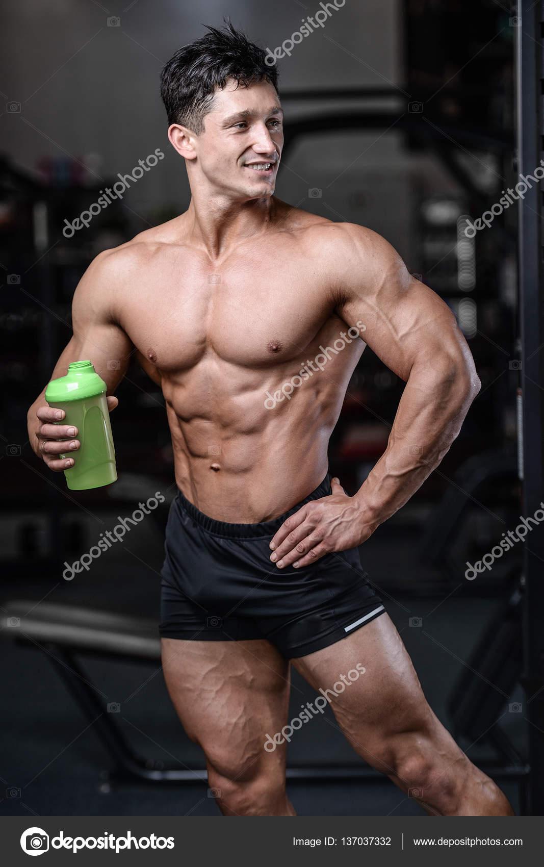 Sexy nahé fitness modely