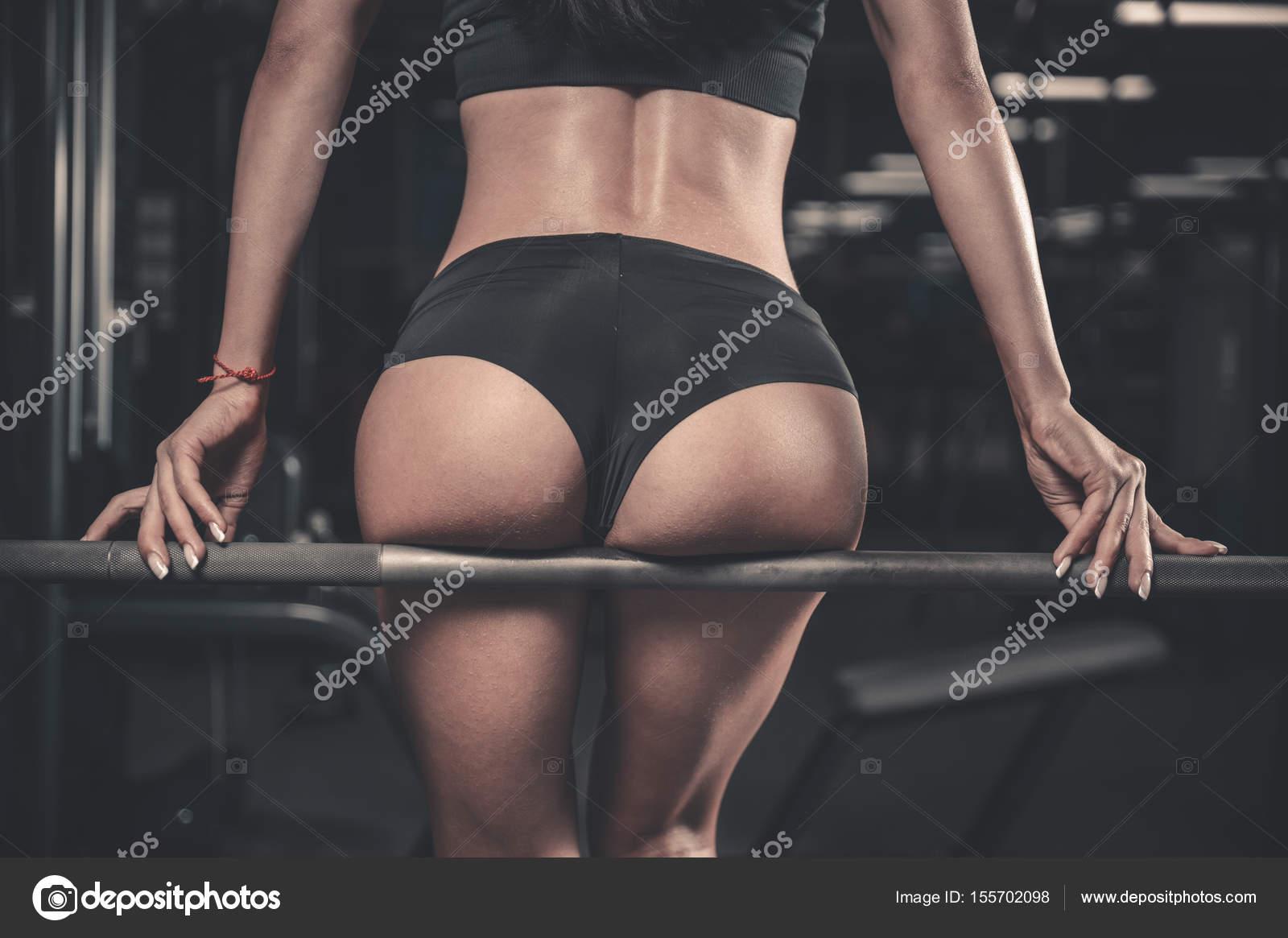 Porno ebenová žena