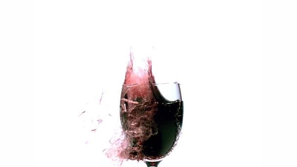 Pohár vörös bor, felrobbant, és fröccsenő