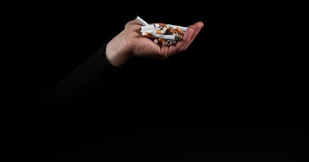 A férfi és a törött cigaretta