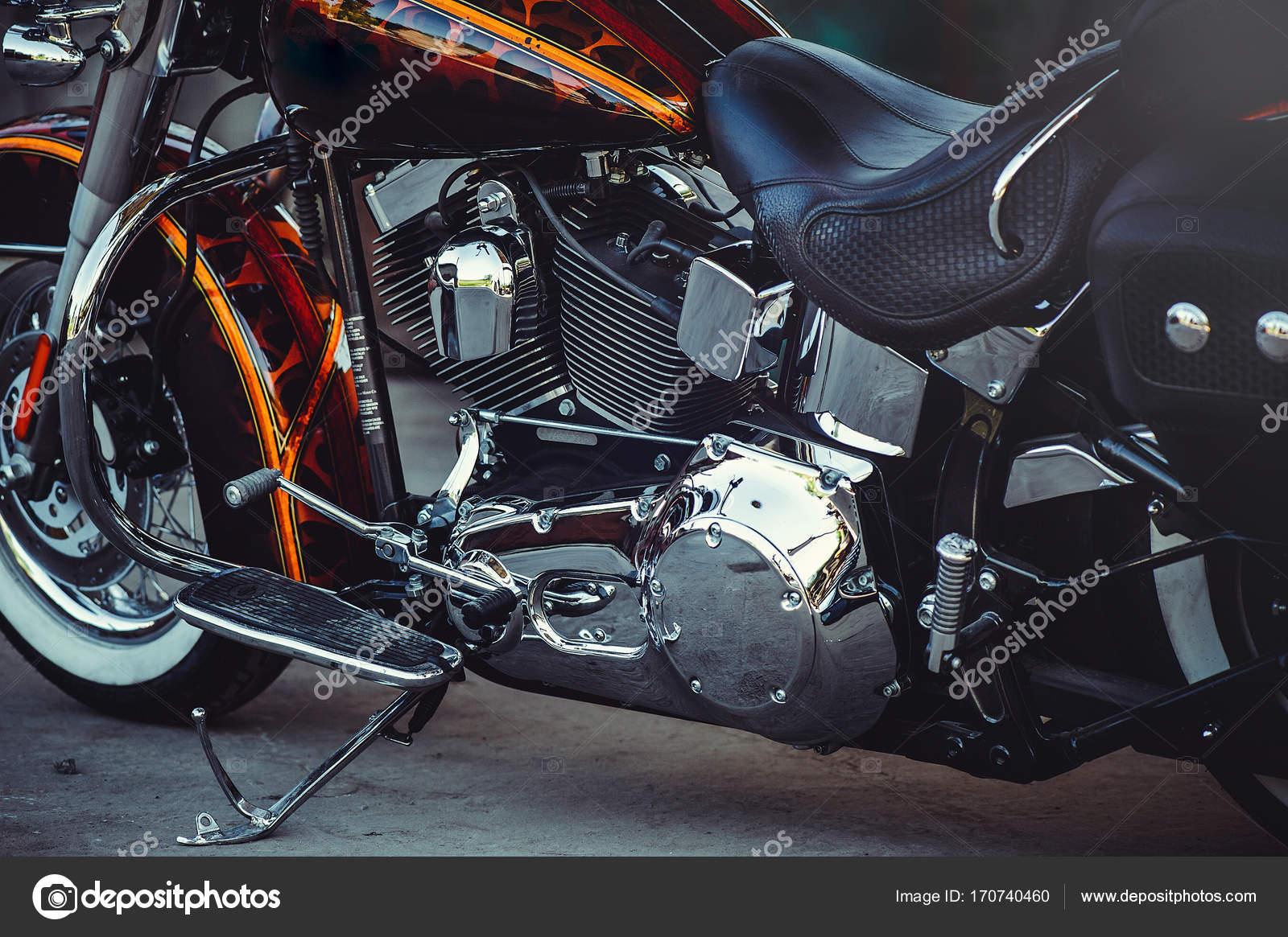 Chrome classic Motorrad im Rahmen Sitz Tank und vordere Rad, schöne ...