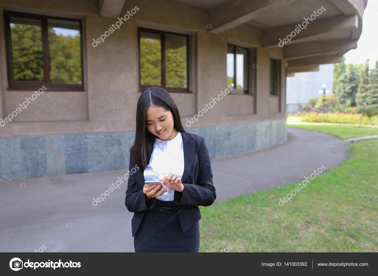 Красивые молодые студентки — 11