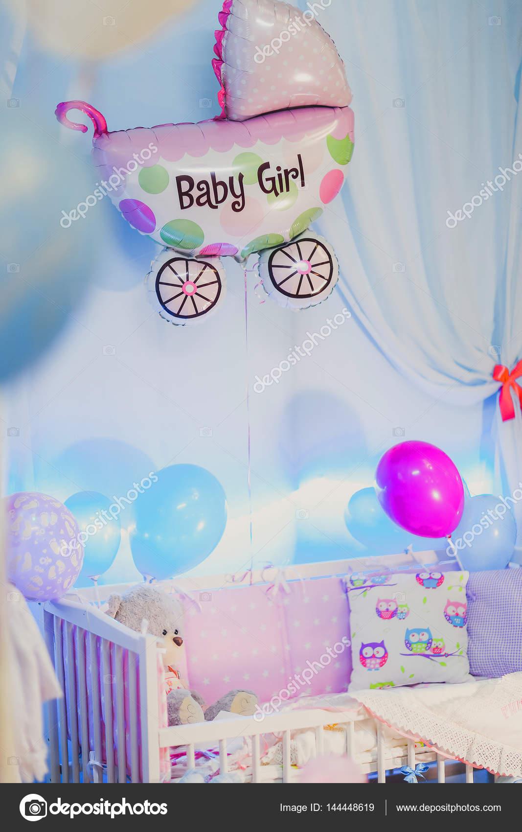 grattis födelse Porträtt av barnsäng och en boll, Grattis på födelse flickan  grattis födelse