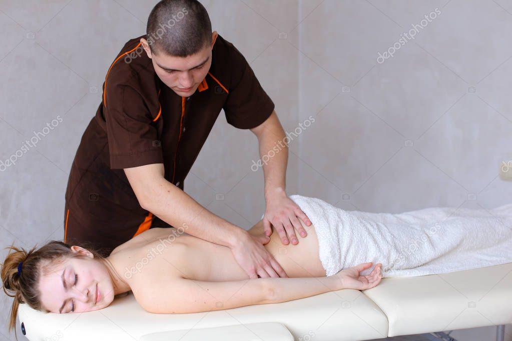 произвол, смотреть порнуху делал массаж и воткнул в телку отходя