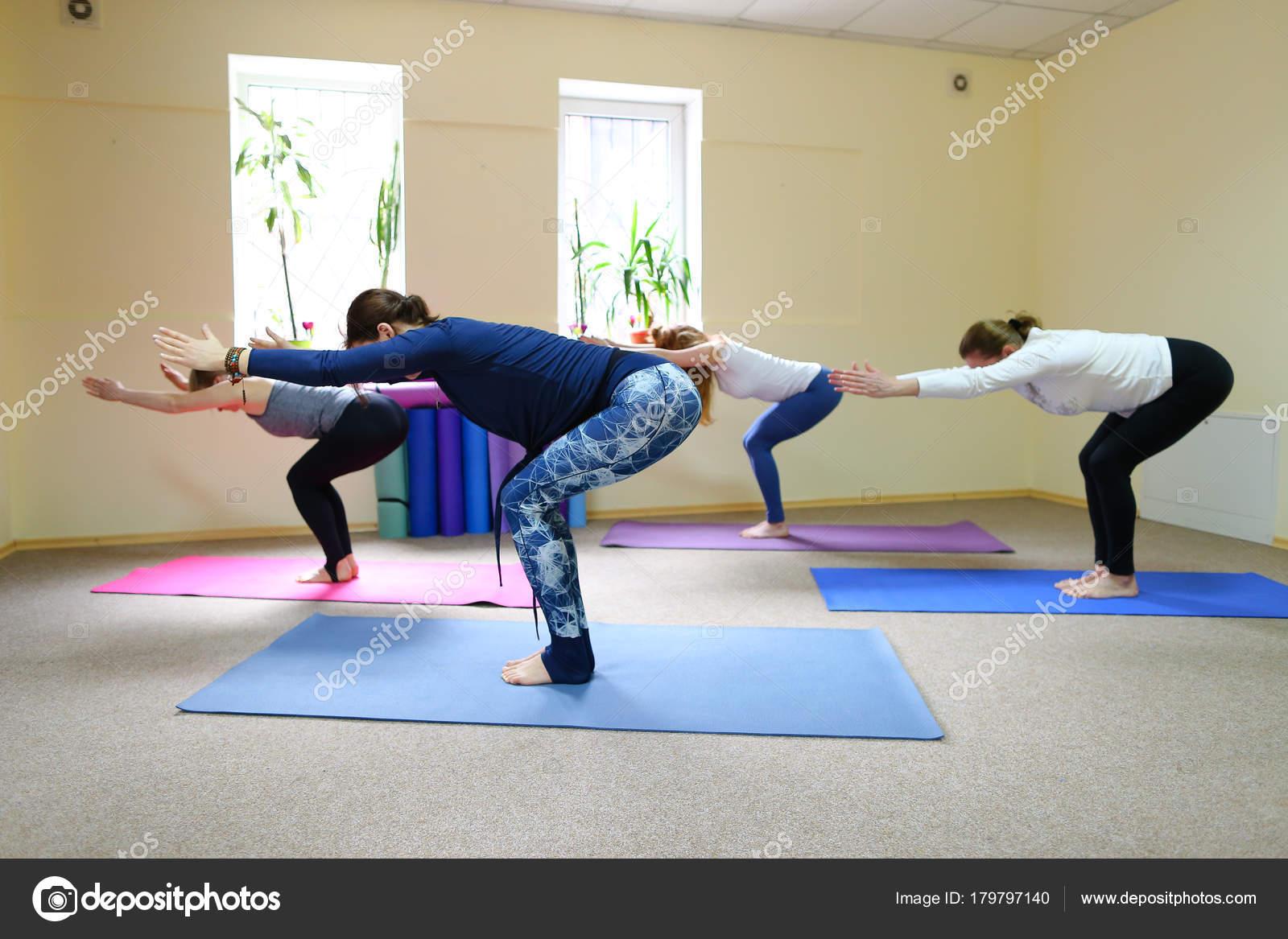 esercizi di yoga per principianti di perdita di peso