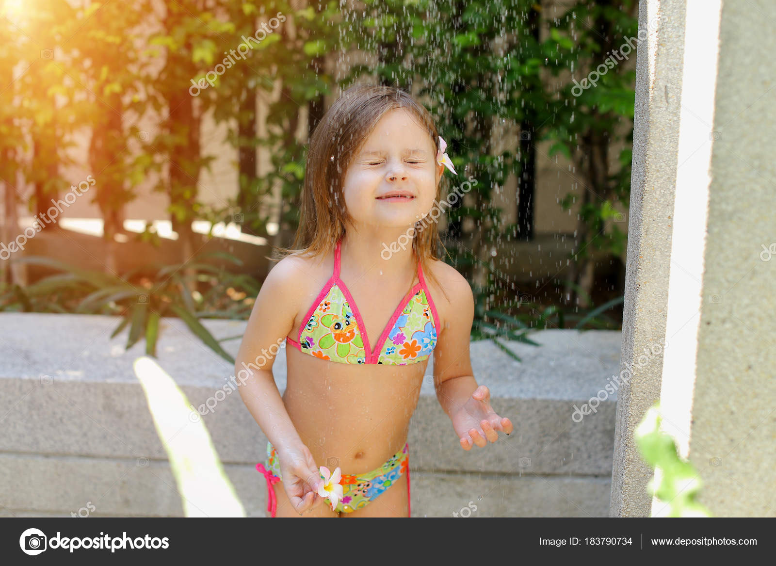 In Water On Shower Swimsuit Drops Of Take Sunny FallLittle Girl 9EDeIHYW2