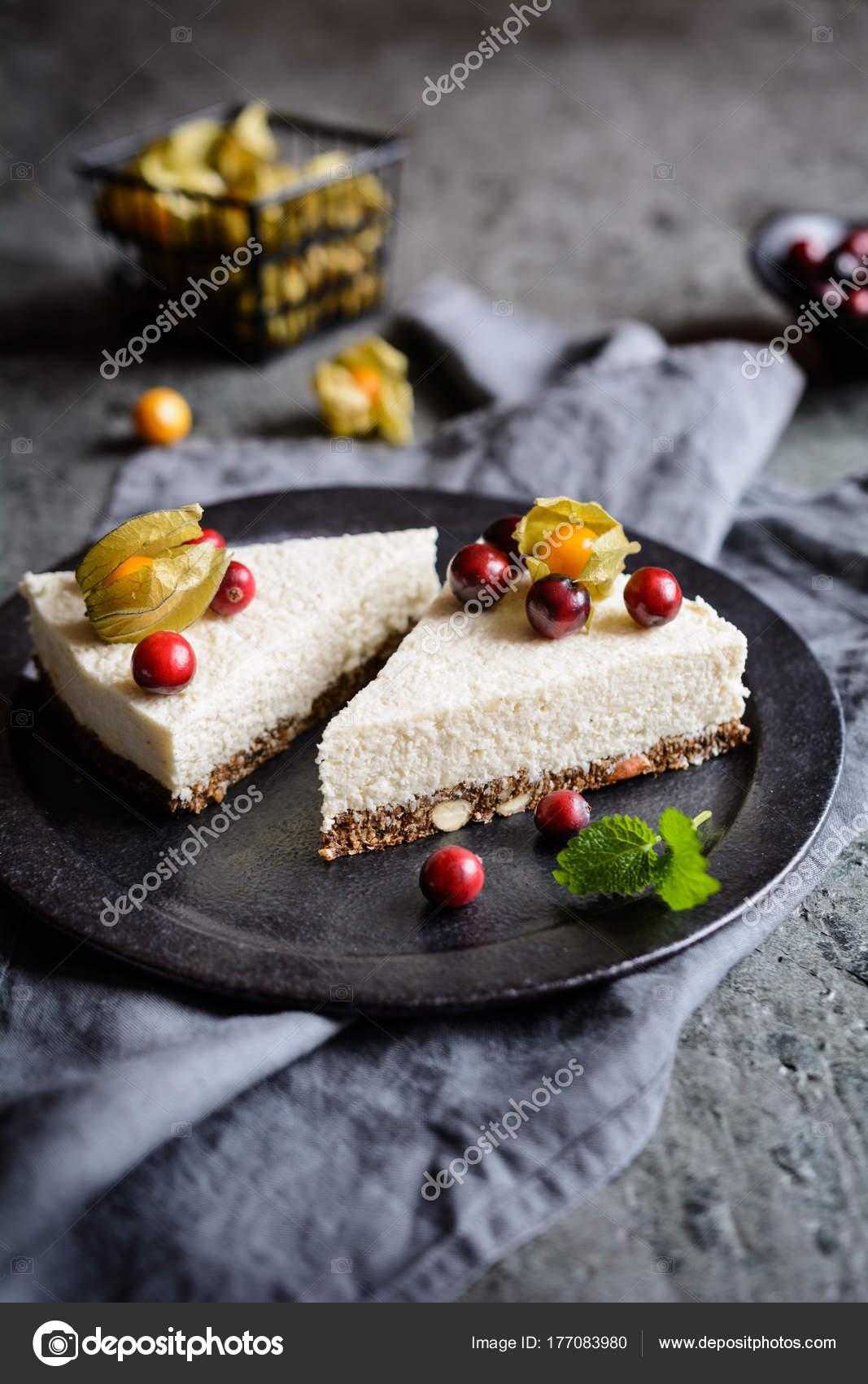 Kein Backen Joghurt Kokos Kuchen Mit Mandeln Getrocknete Pflaumen