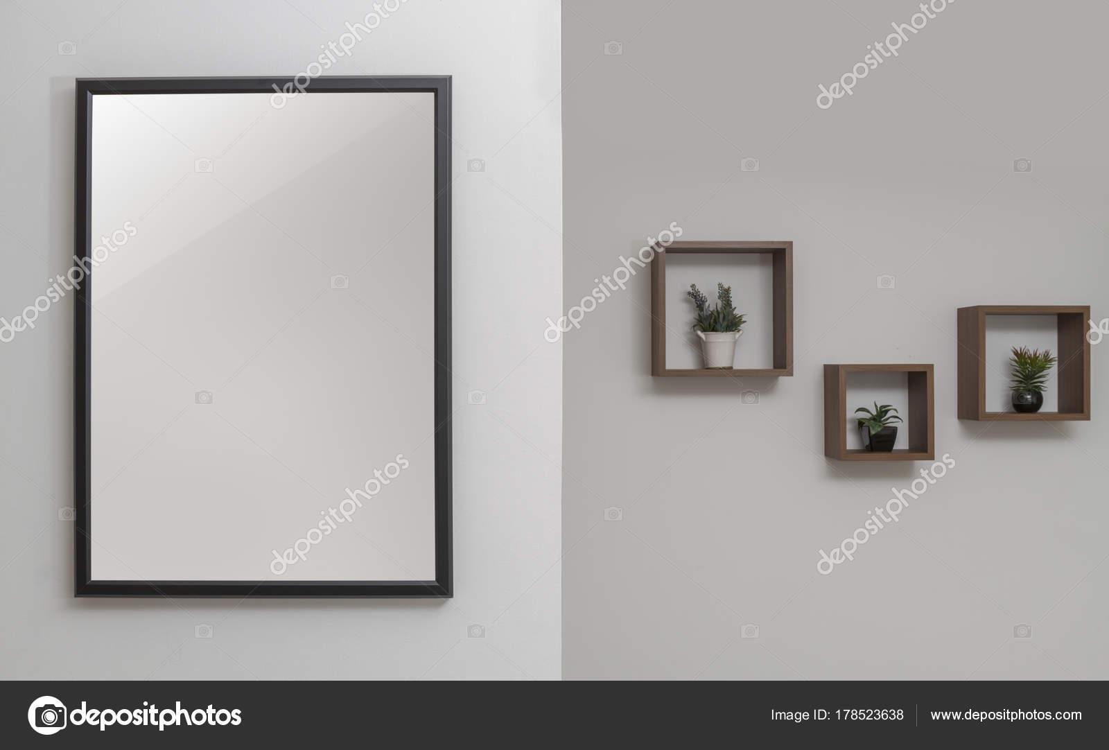 Foto Decoratie Muur.Muur Decoratie Zwarte Houten Frame En Muur Planken Stockfoto