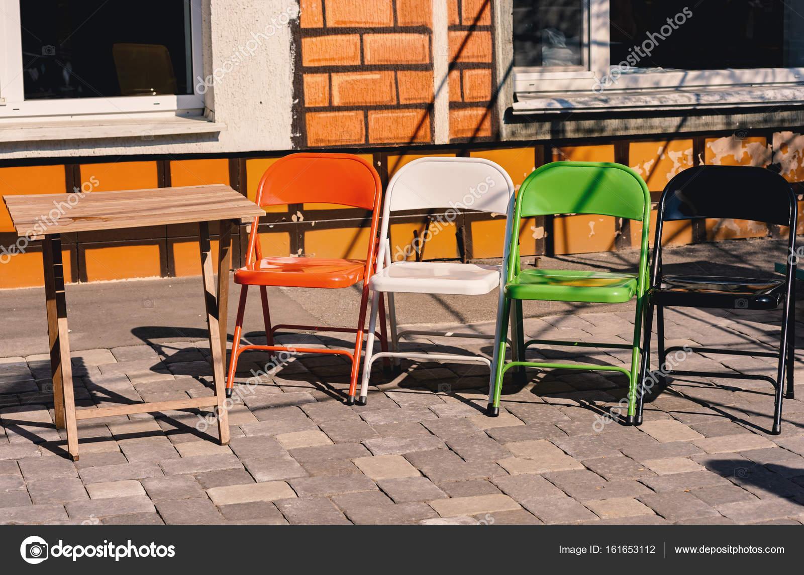 Gekleurde stoelen voor buiten for Stoelen voor buiten
