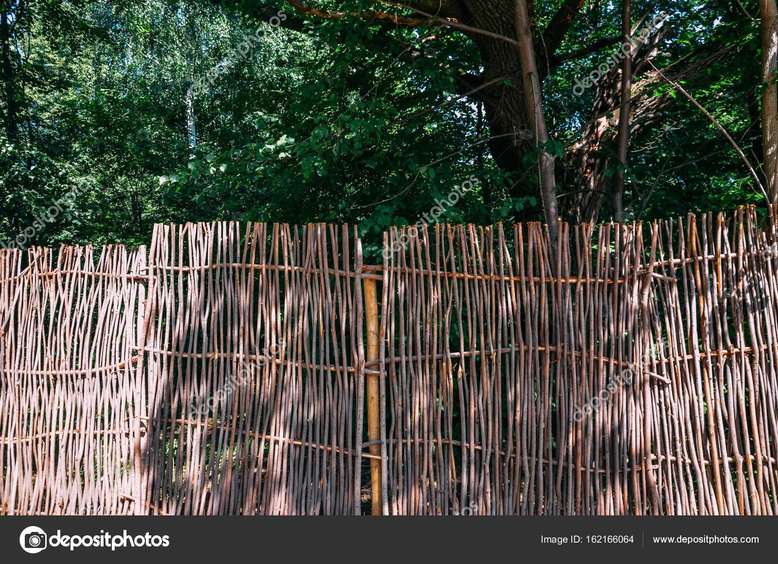Wicker Zweige Zaun Mit Denen Das Haus Umgeben Ist Vor Dem