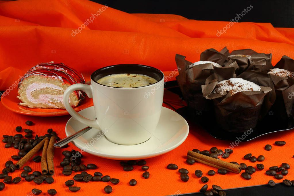 https://st3.depositphotos.com/8829474/19198/i/950/depositphotos_191983568-stock-photo-cup-of-coffee-with-cakes.jpg