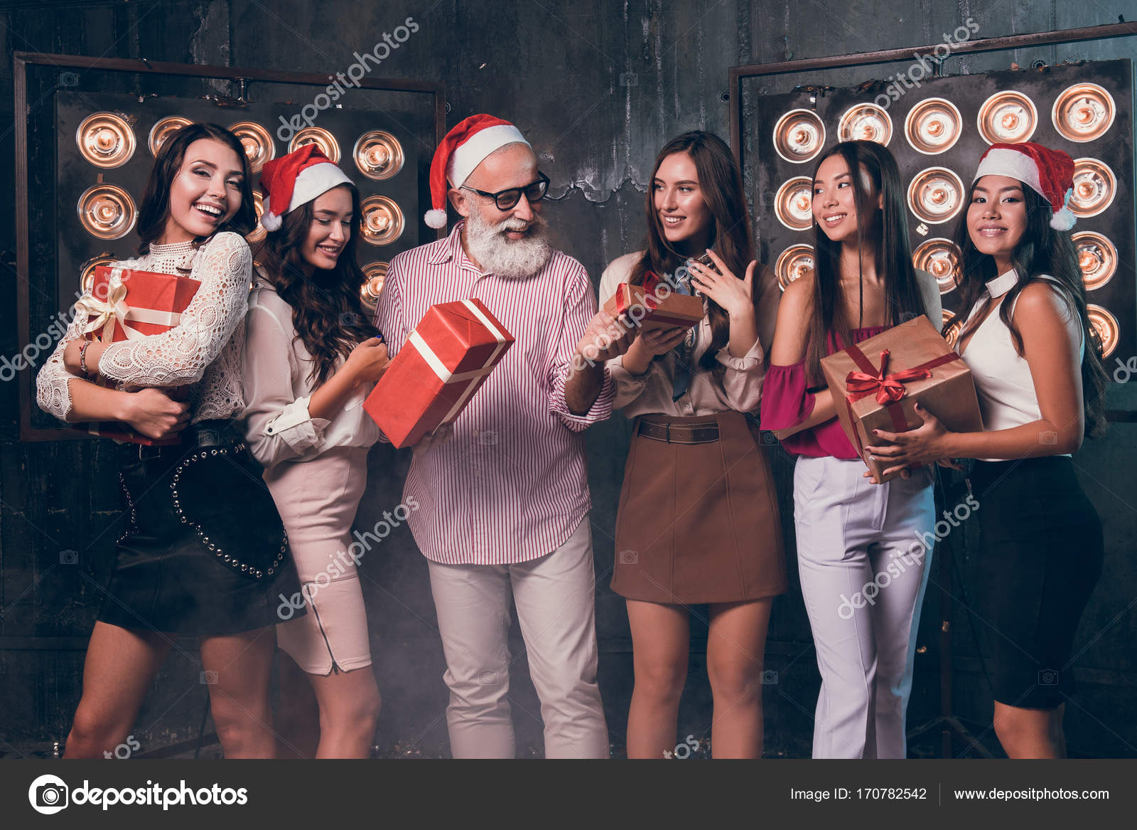 Santas party girls — img 8