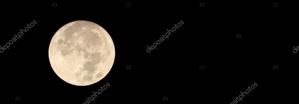 Full moon on a dark sky