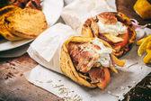 Fotografie Wraped řecký gyros v pita chlebu