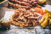 Fotografie Řecký gyros v pita chlebu