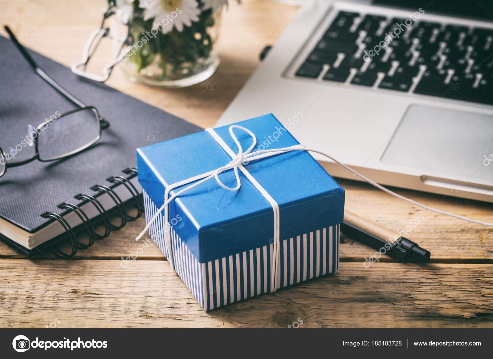 Scrivania Ufficio Regalo : Regali per scrivania ufficio scrivania ufficio a padova
