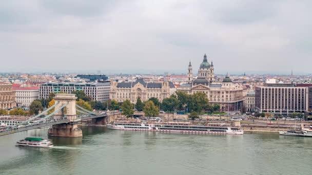 Lánchíd és a Szent István-templom. Időközű, Budapest