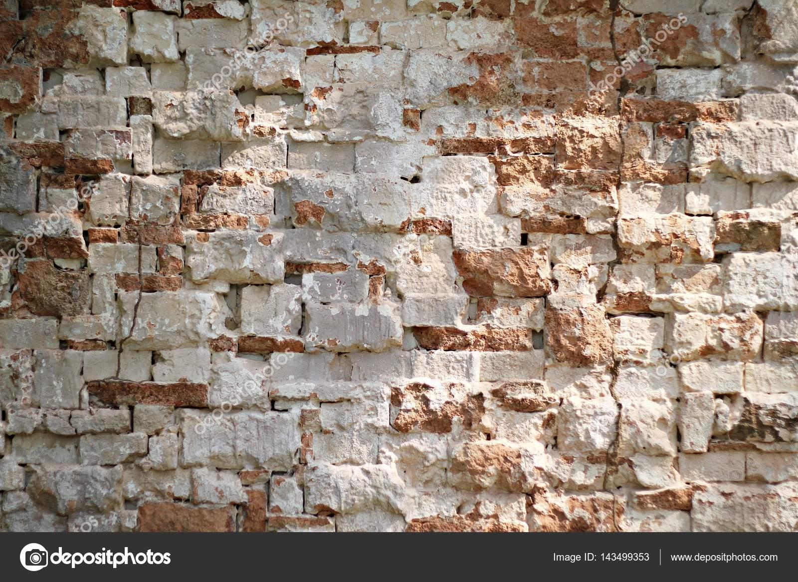 Vecchio Muro Di Mattoni Sporco Dell Annata Con Peeling Intonaco