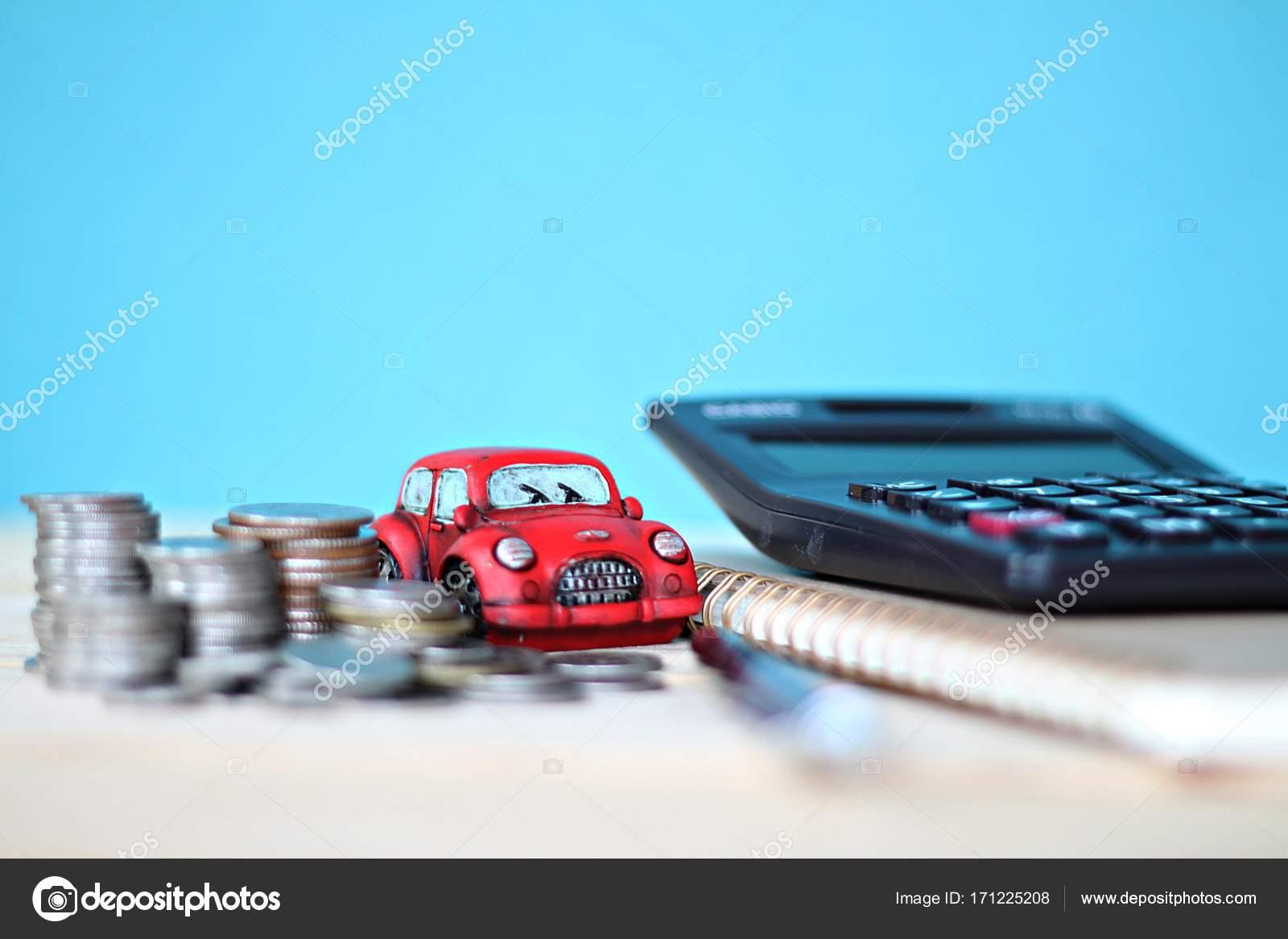 Pièces de modèle de voiture miniature pile calculatrice et papier