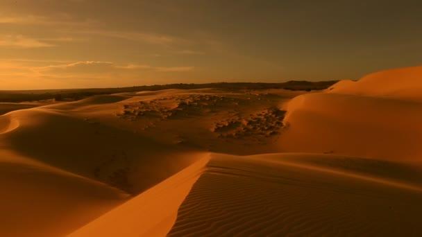 Sivatagi horizon pásztázó.