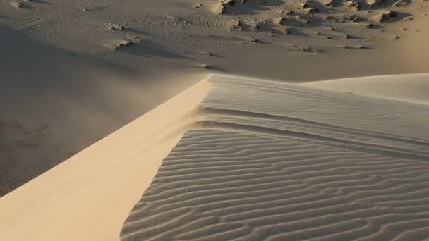Bílý písek zblízka Sahary