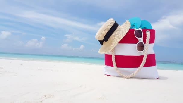 Striped strand táska sapka, papucs és napszemüveg / Relaxáció Balin.