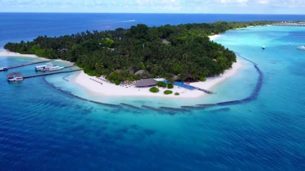 Drone kilátás nyári üdülőhely sziget. Trópusi utazás Fidzsire, Óceániába.