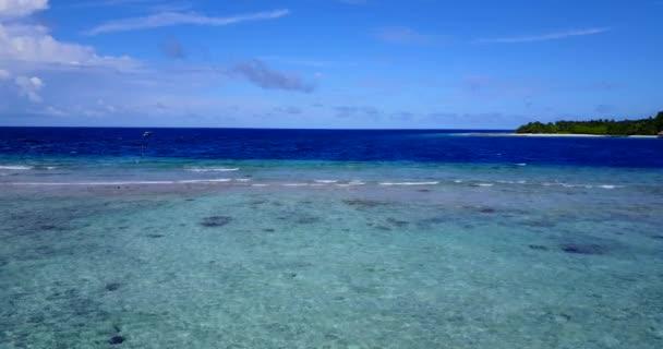 Ártatlan tengerpart. Trópusi jelenet Balin, Indonéziában.