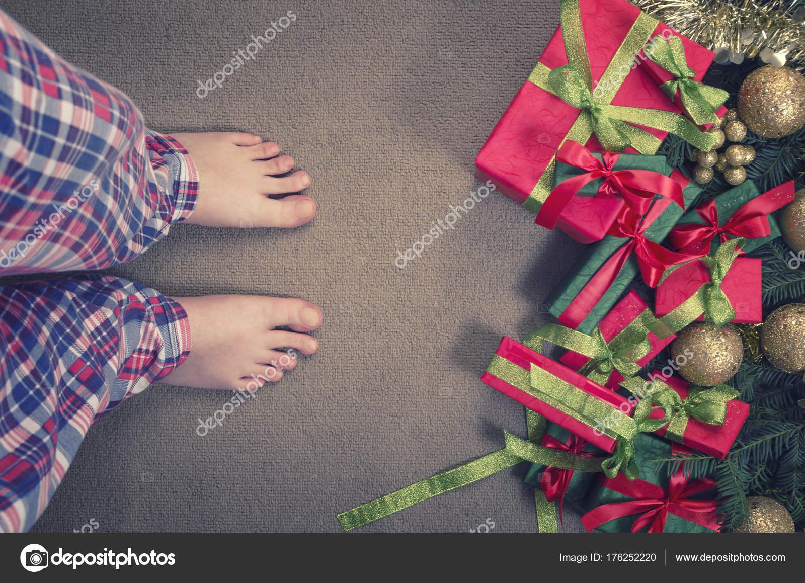 Frohe Weihnachten und glückliches neues Jahr! Draufsicht auf eine ...