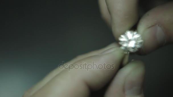 Prsten opravy a leštění