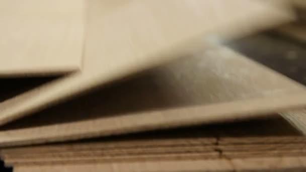 Podlahová deska výroby v továrně