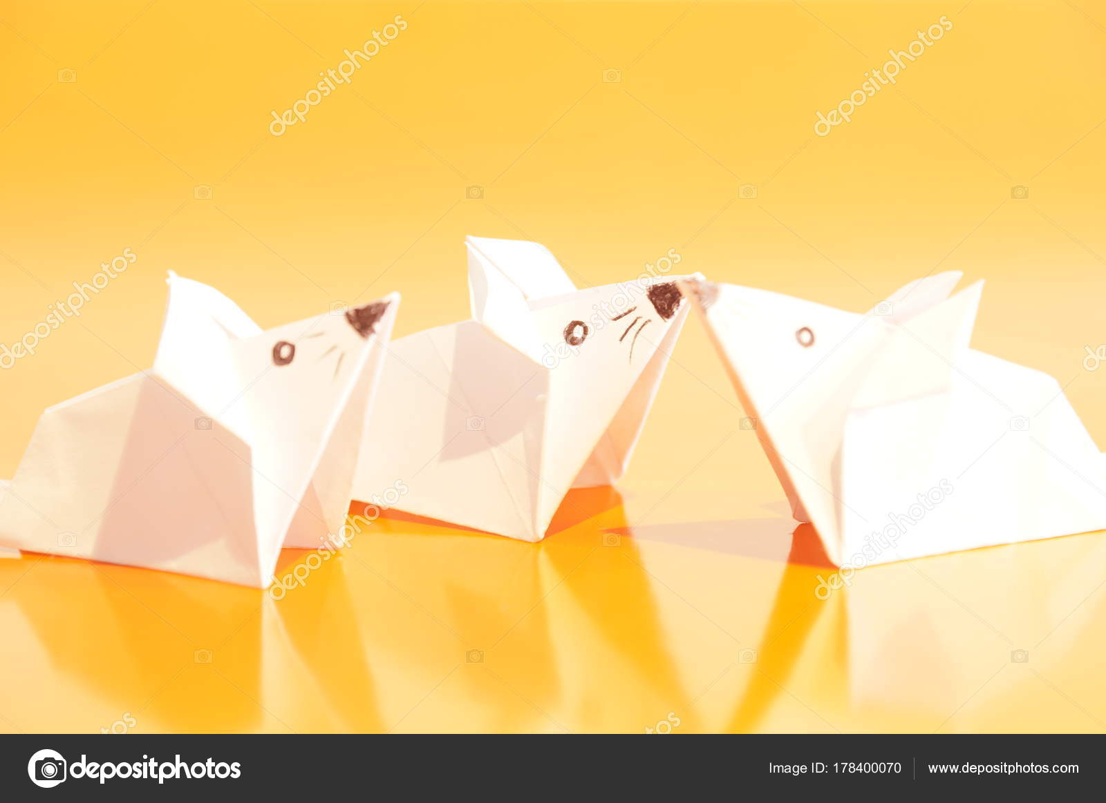 Paper Mouse Art Origami Instructionsorigami Diagramorigami Mickey Isolated Colored Background Figure 1600x1163