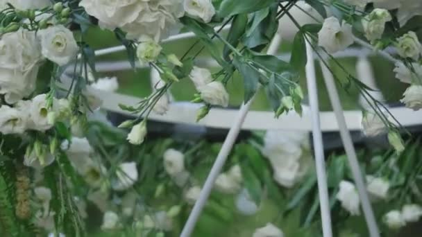 Krásné svatební lampa s bílými květy